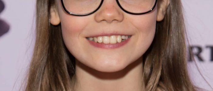 Oona-Laurence-Smile
