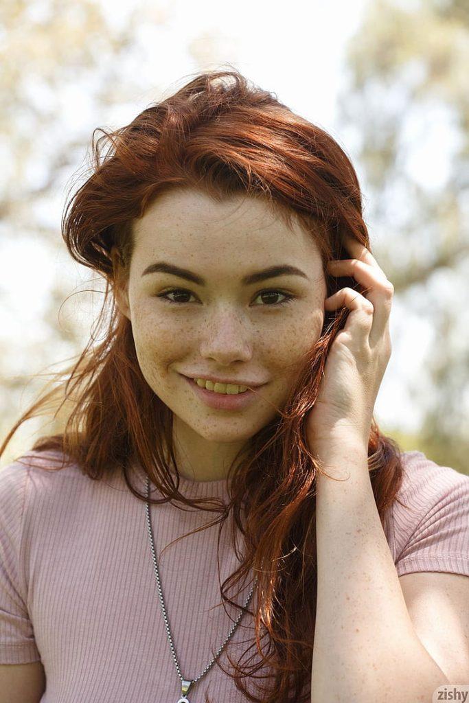 Sabrina Lynn Model