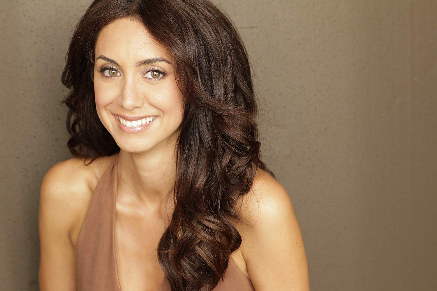 Mozhan Marnò Net Worth, Age, Height & Wiki - Celebnetworth.net