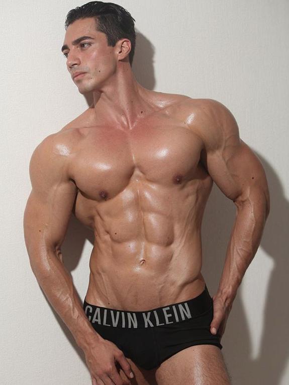 Rodrigo Romeh Height Weight Body Measurements