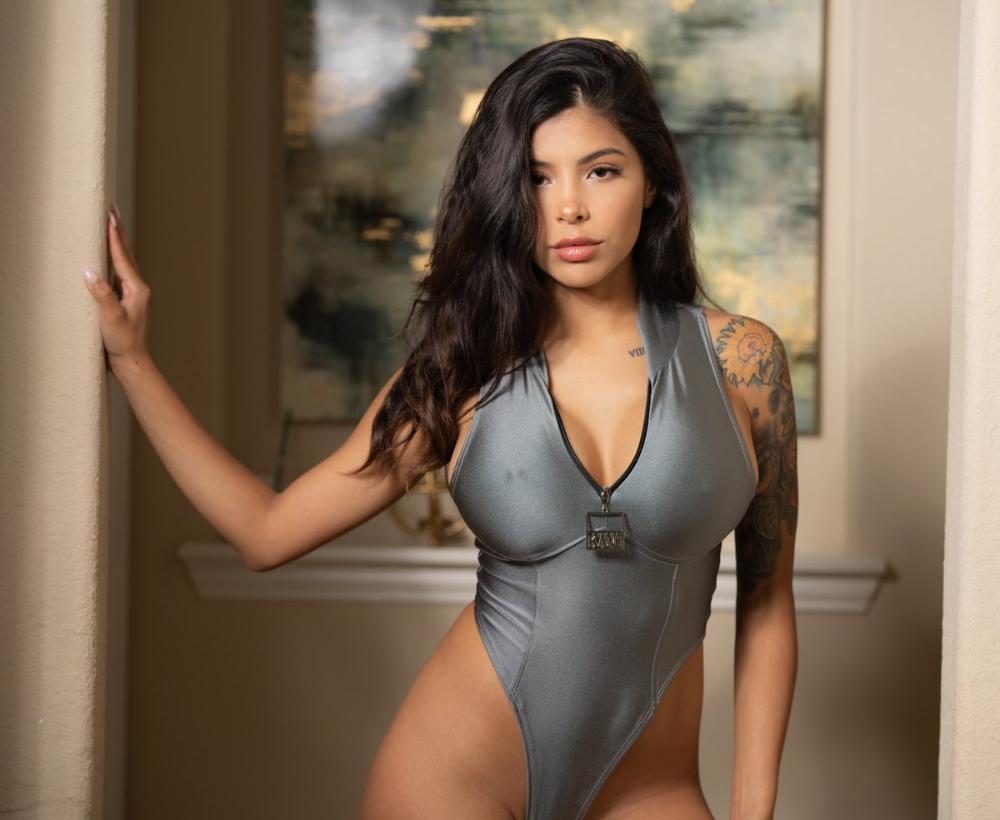 Skyler Lo Height, Weight & Body Measurements