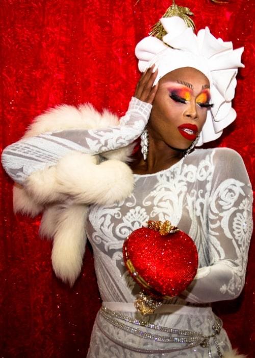 Monique-Heart-2