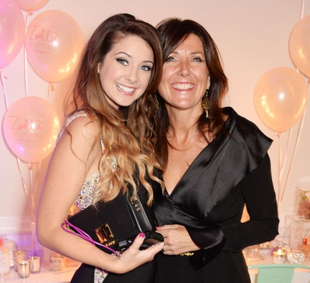 Zoe Sugg and her mother.