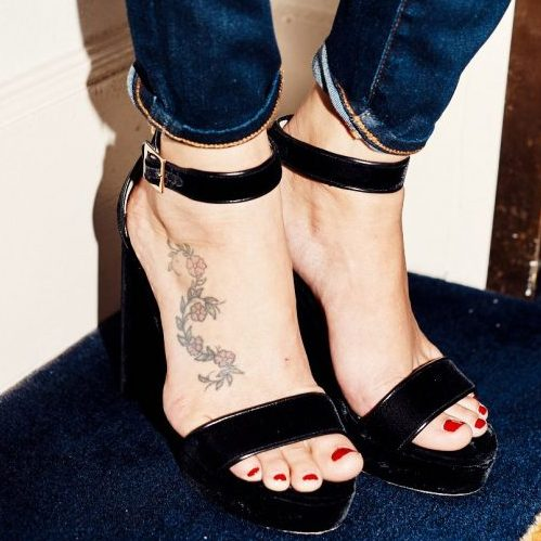 Kaya Scodelario feet tattoo