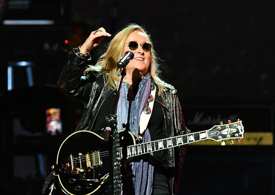 Melissa Etheridge Height, Weight and Body Measurements