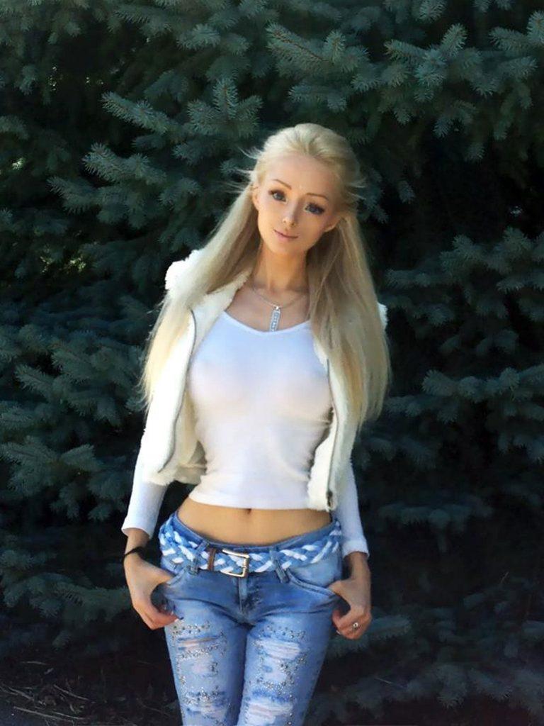 Valeria Lukyanova Height