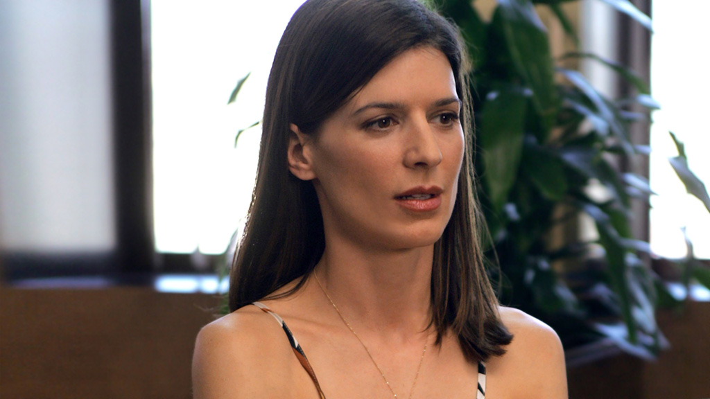 Perrey Reeves Biography