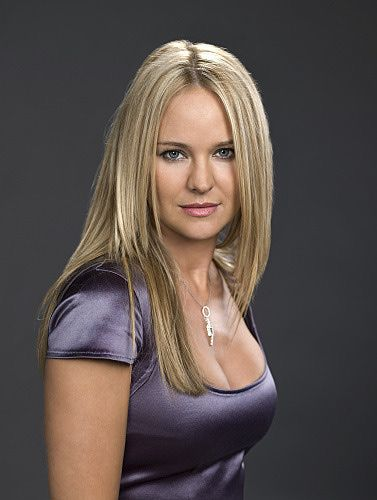 Sharon Case Height, Weight and Body Measurements