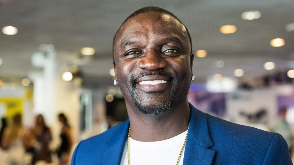 Akon Height, Weight & Body Measurements