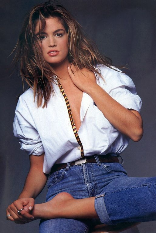 Cindy Crawford Height, Weight & Body Measurements