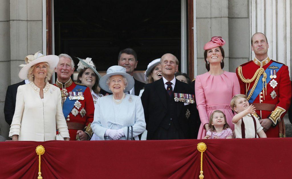 Elizabeth II Wiki