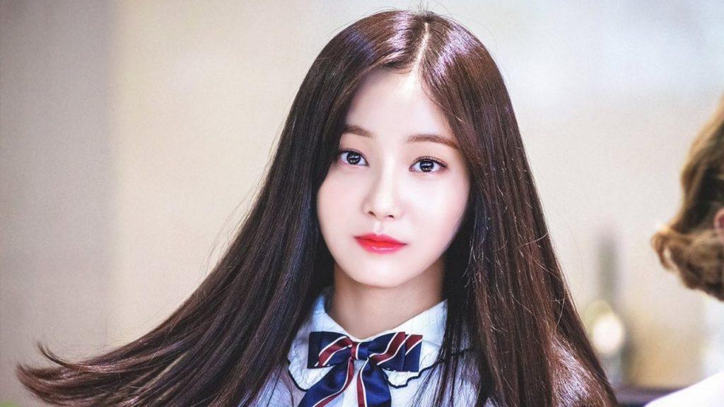 Yeonwoo Biography